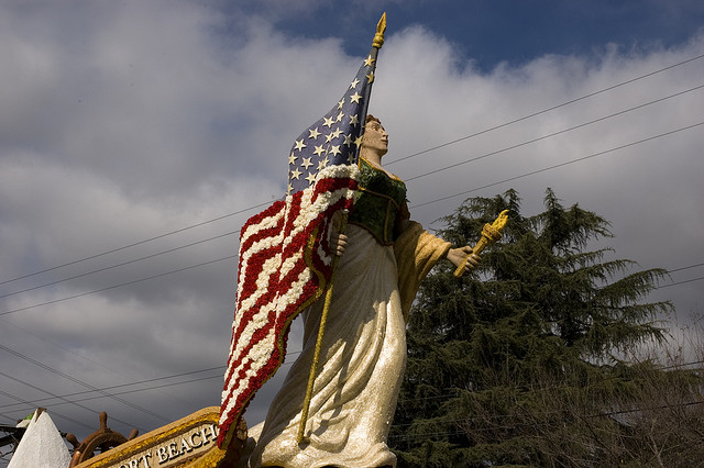 2006 Statue of Liberty holding an American flag float.  Photo by Joe McGowan