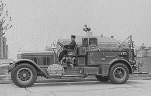 An early 1920s fire truck. (Library of Congress)