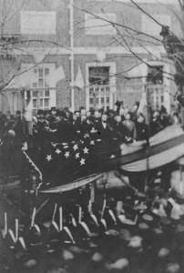 Lincoln prepares to lift the 34-star flag to mark the admission of Kansas to the Union in 1861. (Library of Congress)