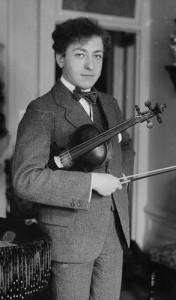 Heifetz as a teenager. (Library of Congress)