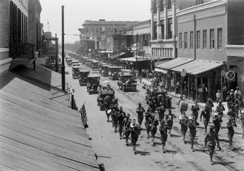 Decoration Day parade in Texas in 1916, 100 years ago (Library of Congress)
