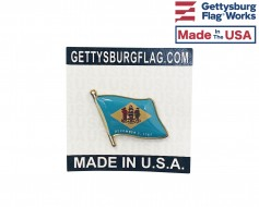 Delaware State Flag Lapel Pin (Single Waving Flag)