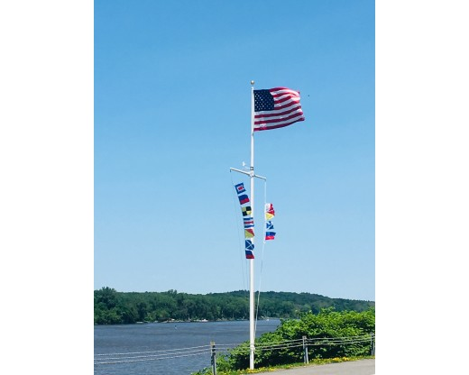 Fiberglass Flag Pole with Crossbar