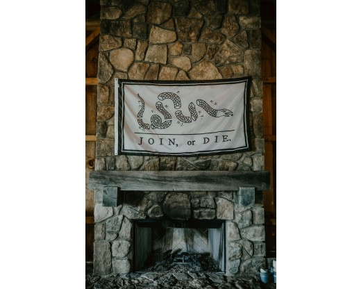 join or die flag on mantel