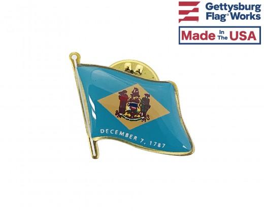 Delaware State Flag Lapel Pin (Single Waving Flag)